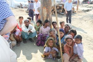 1200px-Displaced_Rohingya_people_in_Rakhine_State_(8280610831)