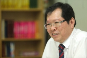 Lee Min Choon, a member of the CPHM's board of trustees says the movement could work to overcome religious misunderstandings and foster balmy ties with the other faiths. ― File pic - See more at: http://www.themalaymailonline.com/malaysia/article/novel-christian-movement-aims-to-cool-religious-tensions-from-bottom-up#sthash.LisdBrYL.dpuf